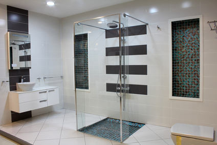 Das Badezimmer lässt sich über bodengleiche Duschen enorm aufwerten
