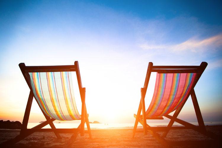 Sonnenbad auf einem Deckchair