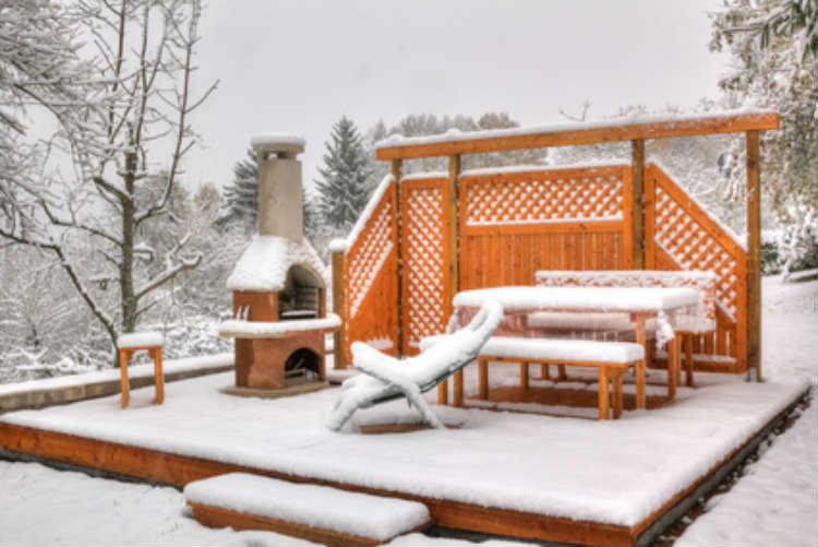 Holzmöbel sollten im Winter eingelagert werden