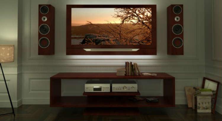 Modernes Heimkino mit Flachbildfernseher und Hifi-System.