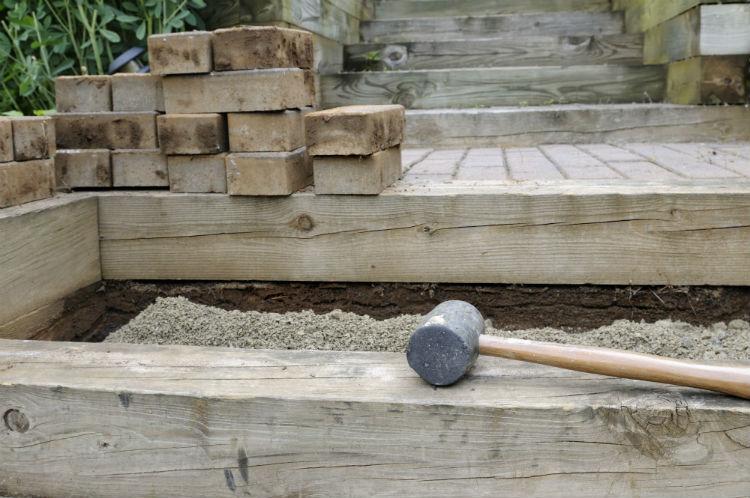 Holzbelag für Garten_JuneJ