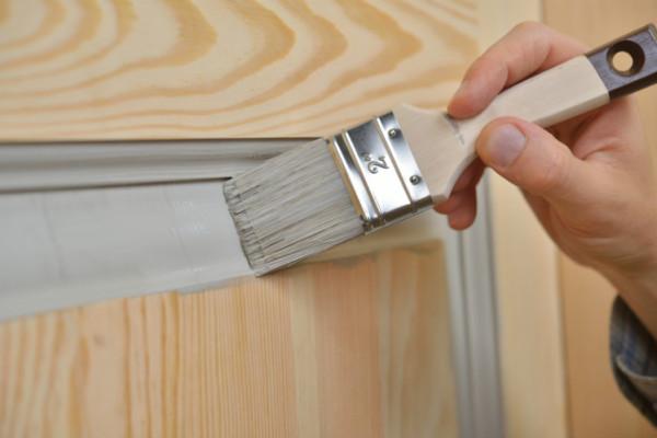 Holztüren richtig lackieren