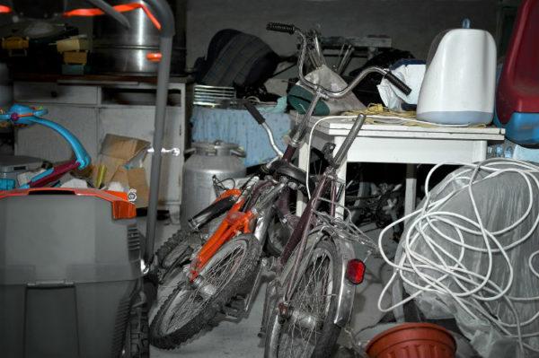Ordnung im Keller schaffe - vollgestellter Keller