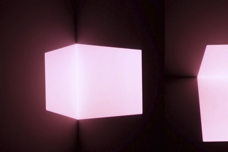 Leuchtende Cube Lampe in pink