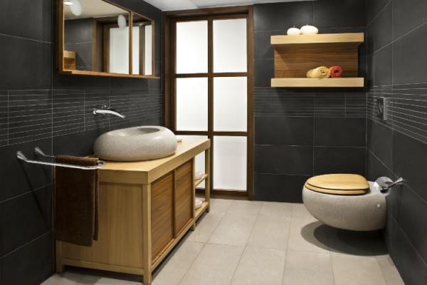 Modernes Badezimmer in schwarz