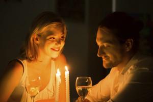 Romantisches Dinner bei Kerzenschein