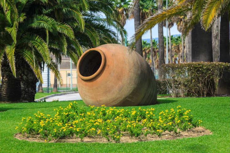 Große Vase mit Rost