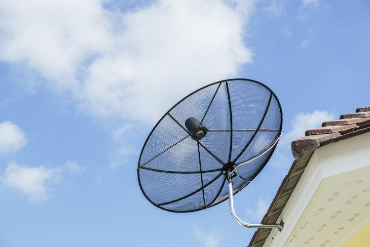 Satellitenanlage montieren
