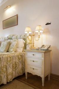 Schlafzimmer mit Beleuchtung