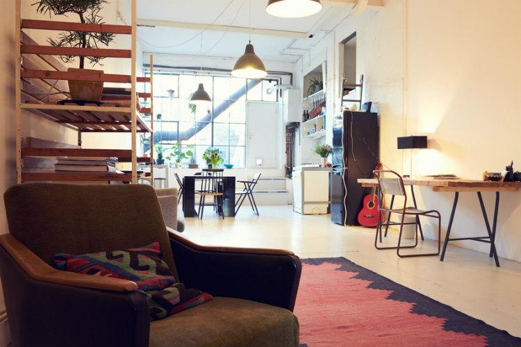 So bringst du dein Wohnzimmer in den Urban-Style