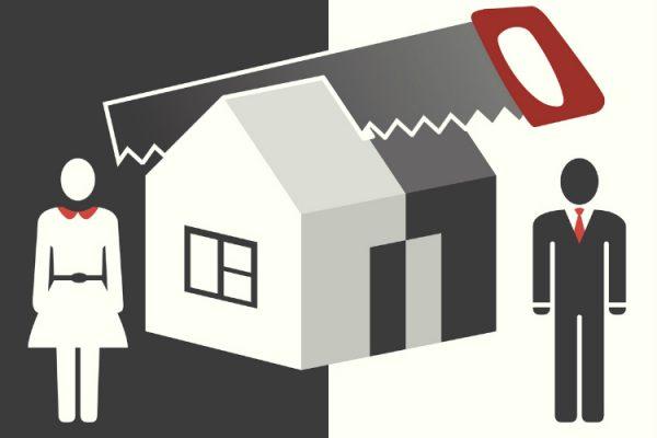 schwaz-weißes Comicbild Säge teiilt Haus in zwei