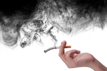 Mieter die Rauchen sind zum regelmäßigen Lüften verpflichtet