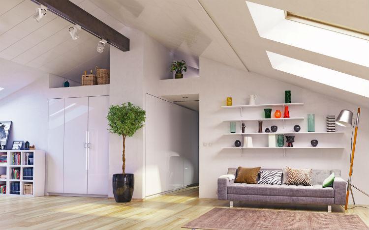 Gemütlich eingerichtetes Zimmer im Dachgeschoss