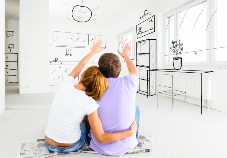 Paar in Wohnung