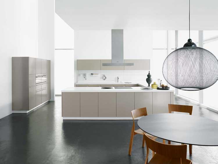 stahlk chen im portrait zeitloses design trifft auf robuste verarbeitung wohnungs. Black Bedroom Furniture Sets. Home Design Ideas