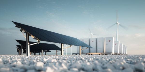 Solaranlage und Windkraftanlagen