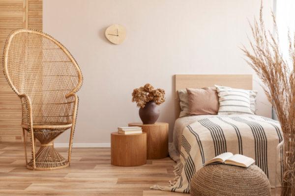 Holzmöbel in einer Wohnung