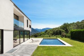 Pool im eigenen Garten – Bauen oder kaufen?