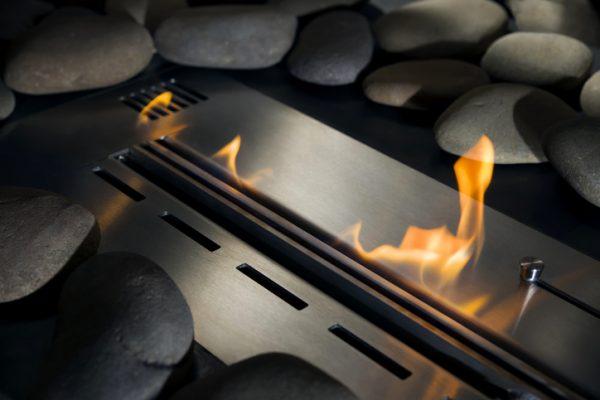 Bio-Kamin mit Feuer, close-up