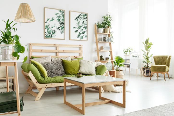 Wohnzimmer in Grün gestaltet