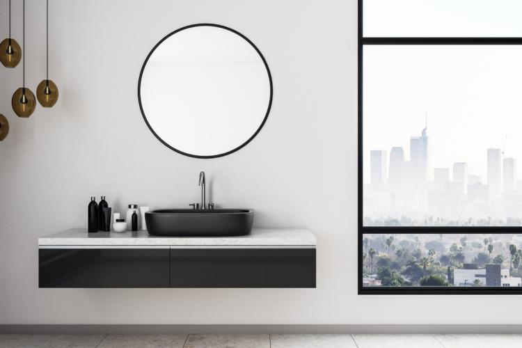 Badspiegel im Badezimmer