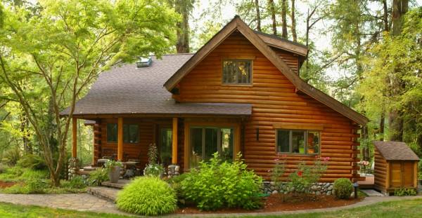 Ein Modernes Holzhaus im Wald