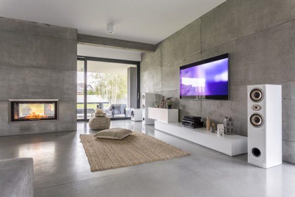 Modernes, offenes Wohnzimmer