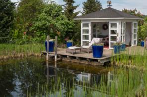 Ein kleines Naturbad im eigenen Garten – so geht's!